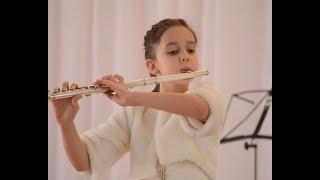 В детской музыкальной школе звучала флейта