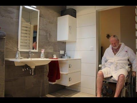 Salle de bain pour personne en situation de handicap youtube - Salle de bain pour personnes a mobilite reduite ...