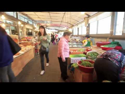 A long Korean market