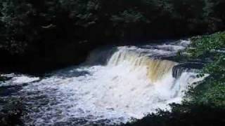 a audio and visual treat aysgarth falls in swell july 2009