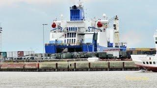 ARK FUTURA OZZE2 IMO 9129598 RoRo cargo ship Umschlag Militärfahrzeuge transport military vehicles