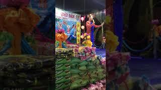 Lộ Lộ biểu diễn phụ giúp cúng dịp Lễ Phật Đảng Sanh | Lộ Lộ