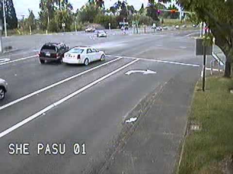 Redflex Traffic Systems-Red Light Runner Near Miss in Oregon