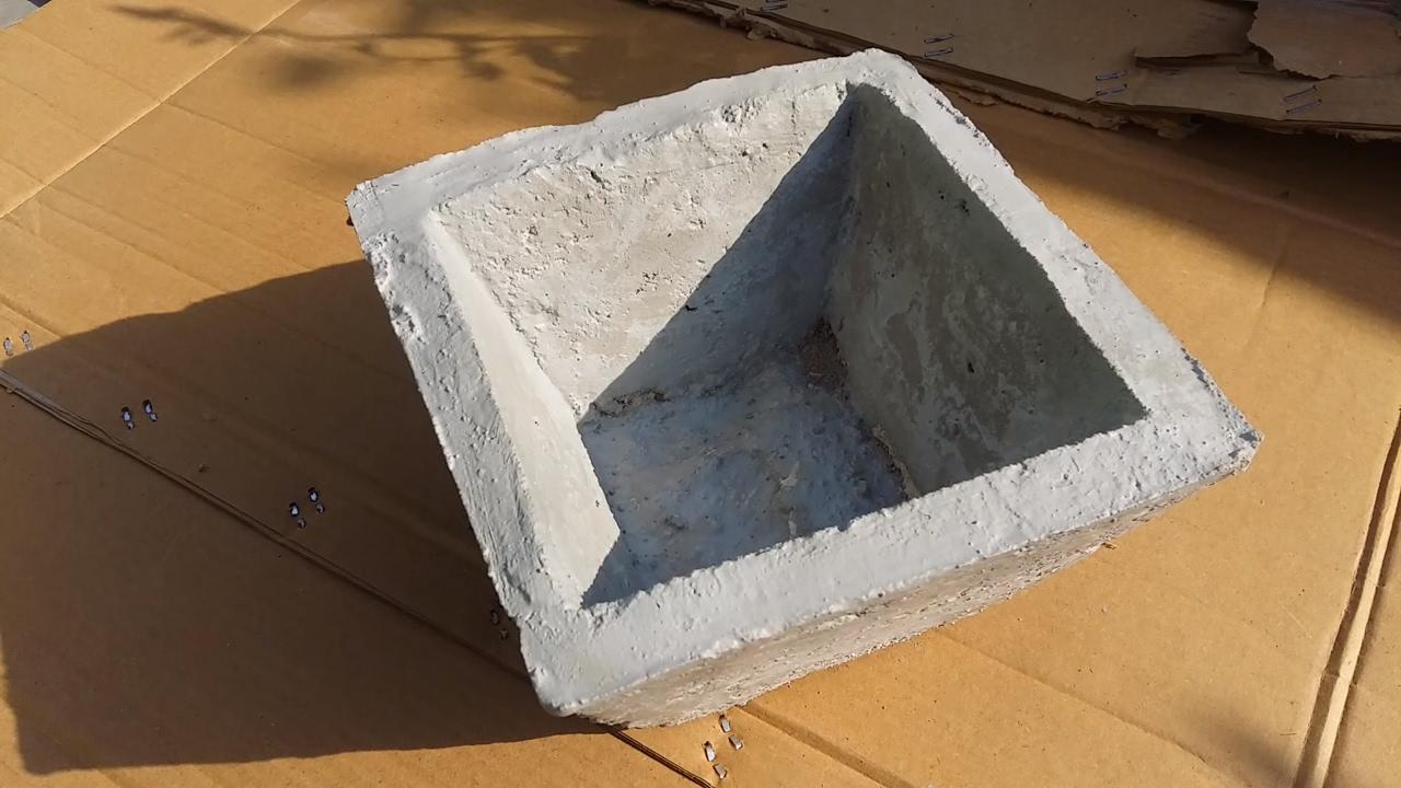 193 cement pots mold youtube for Painting concrete pots