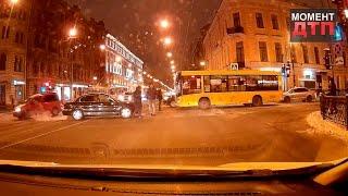 Момент ДТП: Авария с автобусом на Литейном, Санкт-Петербург, 04.12.2016