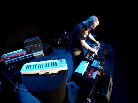Robert T : Hardware Live @ PRE:FLUX 2015  :  : Starts at 2:29