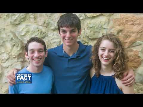 Three Sibling Tackling Gerrymandering with a Board Game
