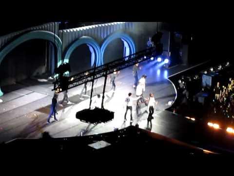 Big Bang   20121005 BIGBANG Alive Galaxy Tour In Bangkok Cam 4