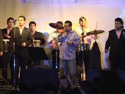 Tony Rosado - Borracho y Triste (En Vivo)