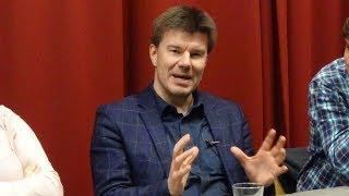 Sven Gatz presenteert zijn boek -Snap What Minister?-