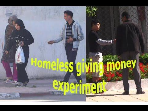 HOMELESS GIVING MONEY - SOCIAL EXPERIMENT