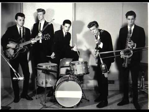Michael Z. Gordon and the Marketts - Outer Limits
