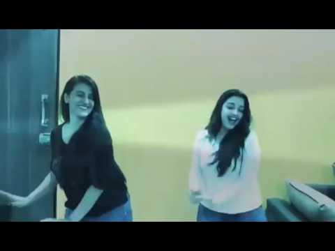 Akshara Singh And Amrapali Dubey Secret Dance Video.【AVENGERS】