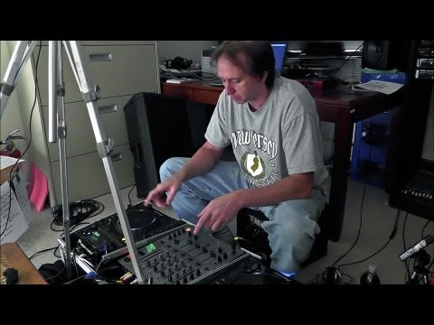 DJ'ing For Beginners - Basic Beat-Mixing, Using CD Players With Pitch Controls