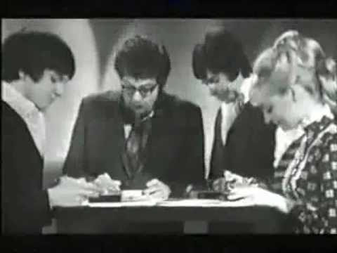 I Love The 1970s - The Stylophone (BBC2?, 2000)