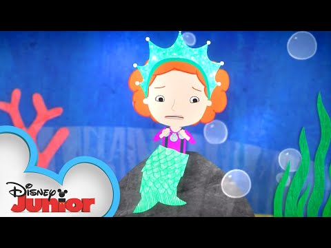 Parade | Nina Needs to Go! | Disney Junior