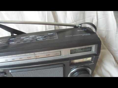 Sony ICF-6500W Analog Digital Japan Radio from 1980s