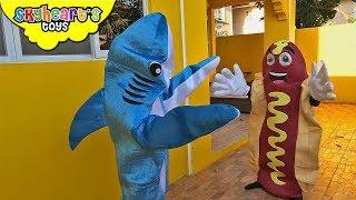 SHARK vs GIANT HOTDOG | Skyheart shark toys hunts for hotdog kids action