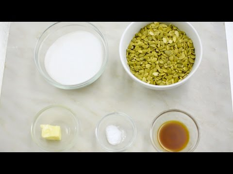how-to-make-sweet,-crunchy-pumpkin-seed-brittle-for-fall