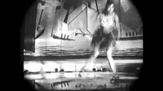(1925) Josephine Baker dancing the original charleston