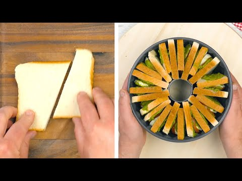 coupez-13-tranches-de-pain-de-mie-en-2-et-remplissez-le-moule-à-kougloff.-ce-va-donner-!