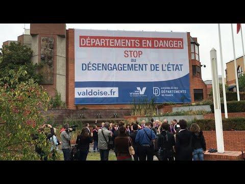 Départements en danger : Le Val d'Oise déploie une bâche sur l'Hôtel du département