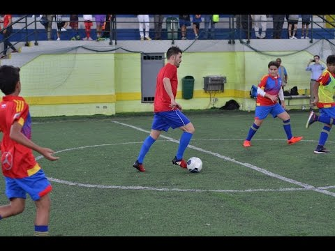 David Villa Presents Newest DV7 Academy in Dominican Republic!