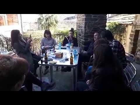 Lectura de poemas en Sarria polo Día de Rosalía