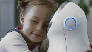 LG robot commercial. Actress - Aglaya Semenova