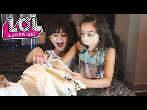 Bad Kids Steal LOL Surprise Dolls And Go To Jail - Mommy Freaks Out!