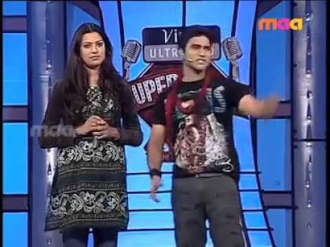 Geetha madhuri-deepu singing vintunava from  yemaya chesave.