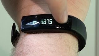 lg lifeband touch hands on