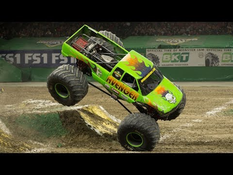 Monster Jam San Antonio 2017 Highlights (Show 2)