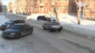 Женщину чуть не лишили прав в Свердловской области из-за мишуры на машине(, 2017-01-28T10:00:37.000Z)
