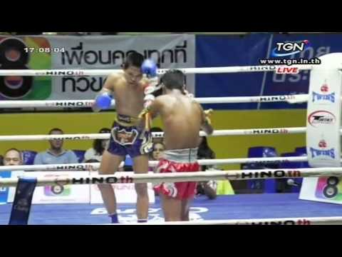 Professional Muay Thai Boxing from Lumphinee Stadium on 2014-12-27 at 4 pm