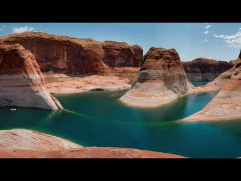 CRUISING ON LAKE POWELL 4K