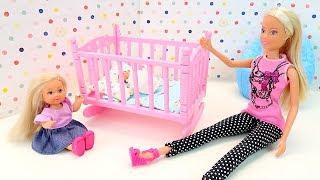 КРОВАТКА ДЛЯ РЕБЁНКА БАРБИ #Мультик с Куклами Мама и Дочка Эви #Игрушки Для девочек