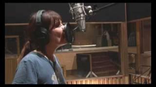 Emmanuelle Seigner en studio avec Iggy Pop - La dernière pluie