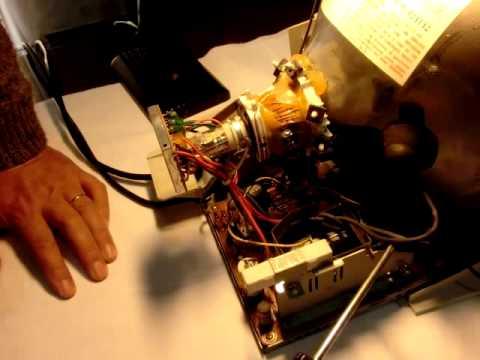 J.J. THOMPSON Rayos Catódicos Descubrimiento del ELECTRÓN Experimento con monitor de PC