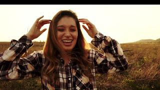 Nikki Alva - Como Se Cura Una Herida (Salsa Version) (Official Video)