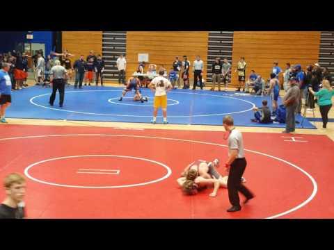 Brady Vickery wrestling