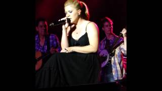 Kelly Clarkson - Wide Open Spaces- Ironstone Winery (Murphy CA) 7/28/12