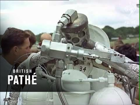 Jet Man (1966) - Incredible early Jet Pack demonstration