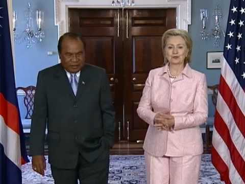 Secretary Clinton Meets With President of Marshall Islands