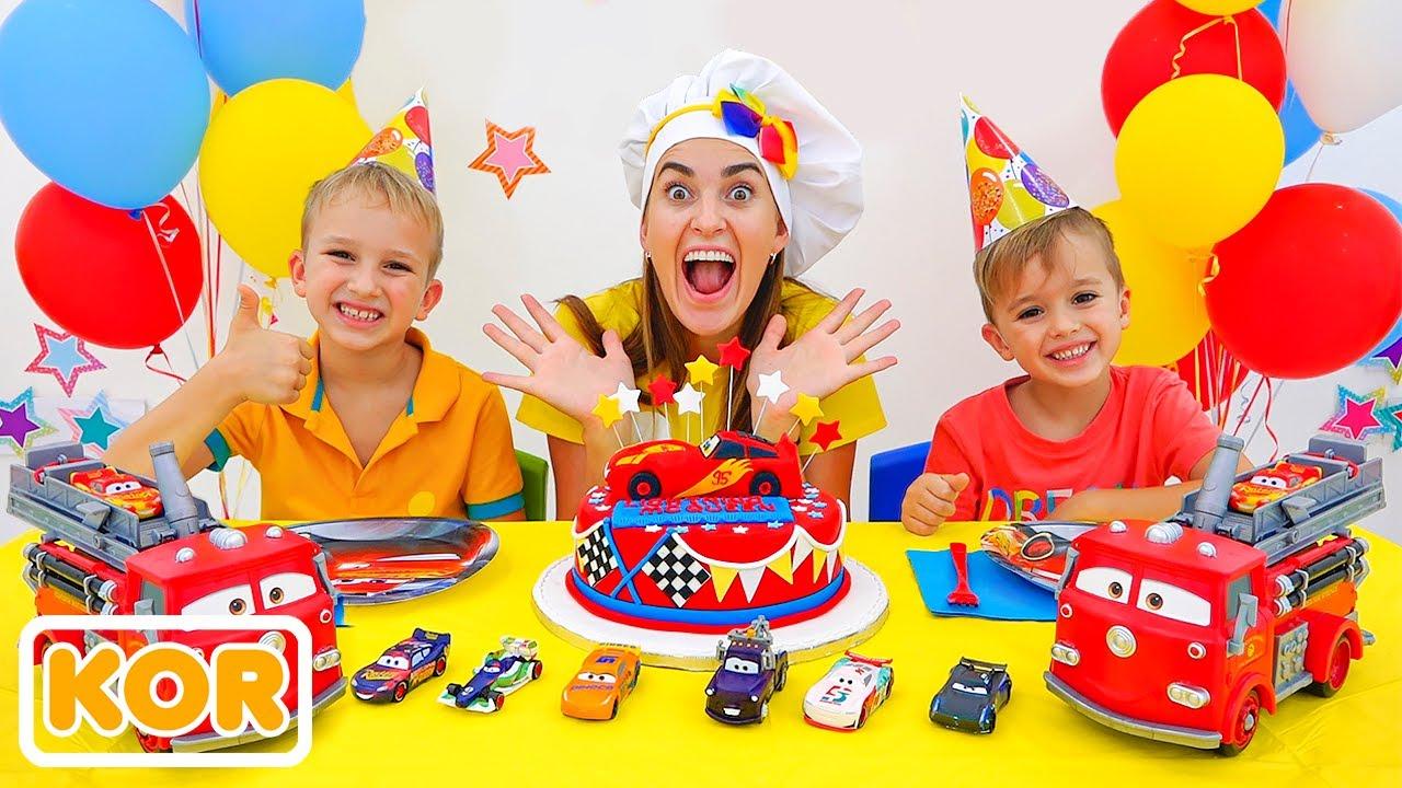블라드 디즈니 자동차와 니키 놀이와 축하 라이트닝 맥퀸의 날