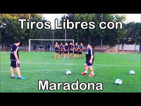 Diego Armando Maradona te enseña como patear Tiros Libres | Fútbol Social