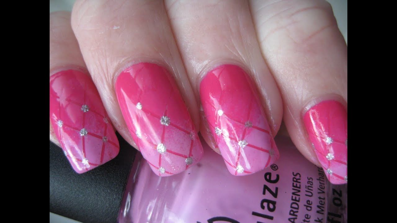 nail art gradient pink plaid