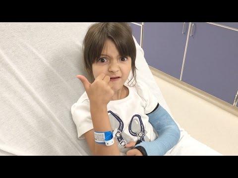 8-year-old MissObservation gets a cast on her broken arm