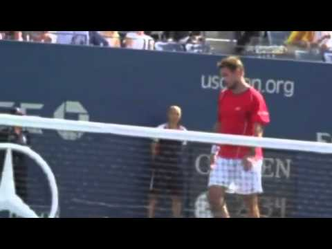 Wawrinka snaps his racket over his knee Novak Djokovic vs Stanislas Wawrinka ~ US Open 2013 SF)