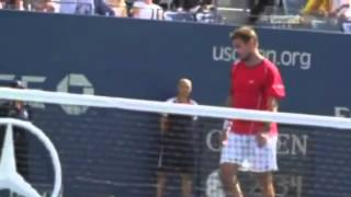 Wawrinka snaps his racket over his knee Novak Djokovic vs Stanislas Wawrinka ~ US Open 2013 SF)